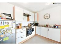 New & modern 2 double bed flat in Bethnal Green with great transport links LT REF: 4791117