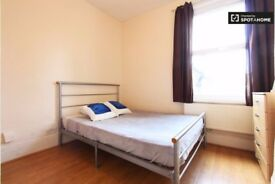 *R** 2 DOUBLE ROOMS IN TOTTENHAM HALE ALL BILLS INCLUDED