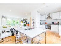 STUNNING 2 BEDROOM, 2 BATH APARTMENT WITH BALCONY OVERLOOKING TALACRE PARK- KENTISH TOWN/CHALK FARM!