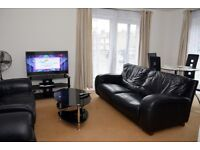 HOLIDAY FLAT,CLOSE TO STRATFORD WITH WI FI ,SLEEPS 6