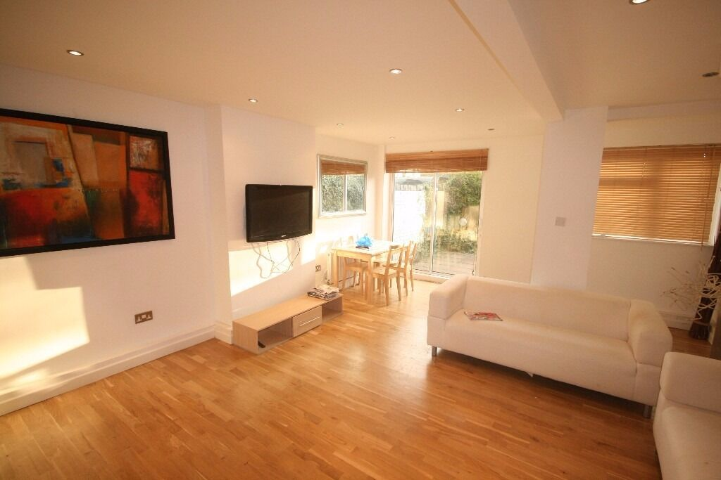 MASSIVE 4 BED HOUSE IN STREATHAM WITH OFFSTREET PARKING AND GARDERN. CALL NOW TO VIEW! OFFERS!!