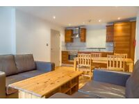 SPACIOUS 1 BED FLAT IN MODERN WAREHOUSE CONVERSION - 300 PW