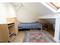 Spacious Single Bedroom in Independent 2 Bedroom Loft Flat SW19 Putney/Southfields including Bills