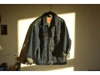 Vintage LEVIS Jacket size Small PERFECT CONDITION ONO