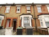 Furnished Self Contained Studio Flat Close to Wood Green Piccadilly Line and Shopping Centre