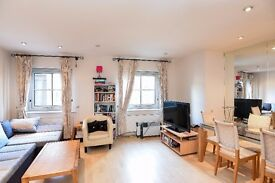 A bright and spacious 2 bedroom, 2 bath apartment, Kings Road SW3