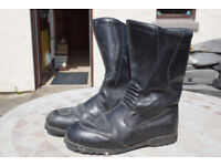 Used motorcycle boots in good usable condition size 45
