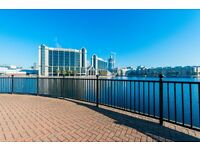 +LOVELY 2 BED 2 BATH APARTMENT W/ PARKING & CANARY WHARF VIEWS MOMENTS FROM DLR WESTFERRY RD E14