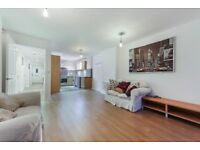 Newly refurbished 3 bed, 2 bath flat with a garden near Hackney & Dalston Stations E8 LT REF:4310249