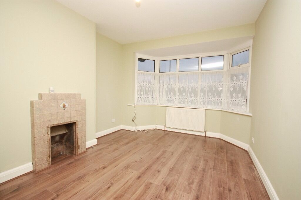 Newly Refurbished & Very Spacious Four Bedroom House Located in Acton W3