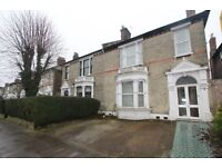 Huge 5 Bedroom 2 Reception House With Off Street Parking On The Avenue, N8