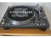 Amazing 2 x Stanton Str8-150 Turntables High Tourque Direct Drive