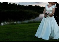 IVORY CLASSIC FULL LENGTH BRIDAL GOWN