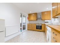 HMO READY 3/4 BEDROOM FLAT; EAT IN KITCHEN, 2 BATHROOMS, CLOSE TO KINGS CROSS AND CAMDEN TOWN
