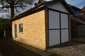 Large garage to rent (Motorhome/Campervan)
