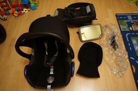 Maxi Cosi Cabriofix car seat with EasyBase 2, raincover and Britax mirror