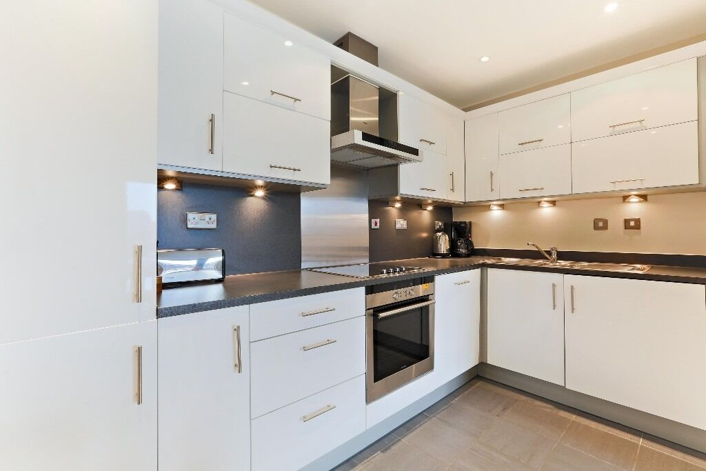 Fantastic 1 bed flat in Wapping, Tobacco Dock, 5min walking to DLR Station! AVAILABLE NOW