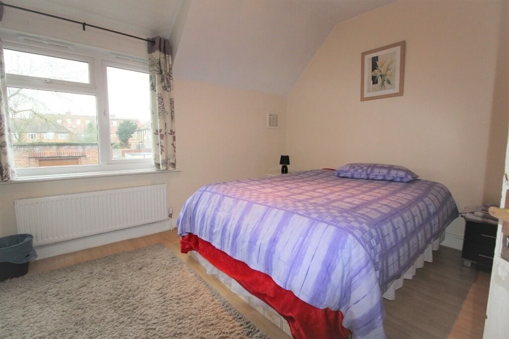 Double Room to Rent in Wood Green, N22 6NJ, London
