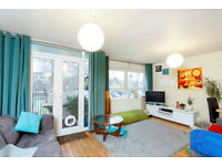 2 bedroom flat in Victoria Road, Kingston Upon Thames, KT1