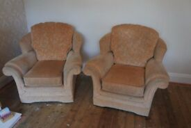 Traditional 3 Piece suite + Pouffe