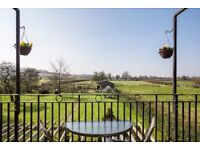 Escape! Fabulous Bed and Breakfast, Ideal Location for Bath & all of Wiltshire's Attractions