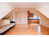 TWO DOUBLE BEDROOM FLAT ON GUNNERSBURY AVENUE CLOSE TO ACTON TOWN STATION £1500 PCM