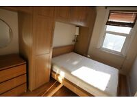Wonderful two double bedroom flat to rent in Battersea, moments from local transport