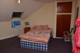 Double bedroom for rent in Hyde Park, Leeds