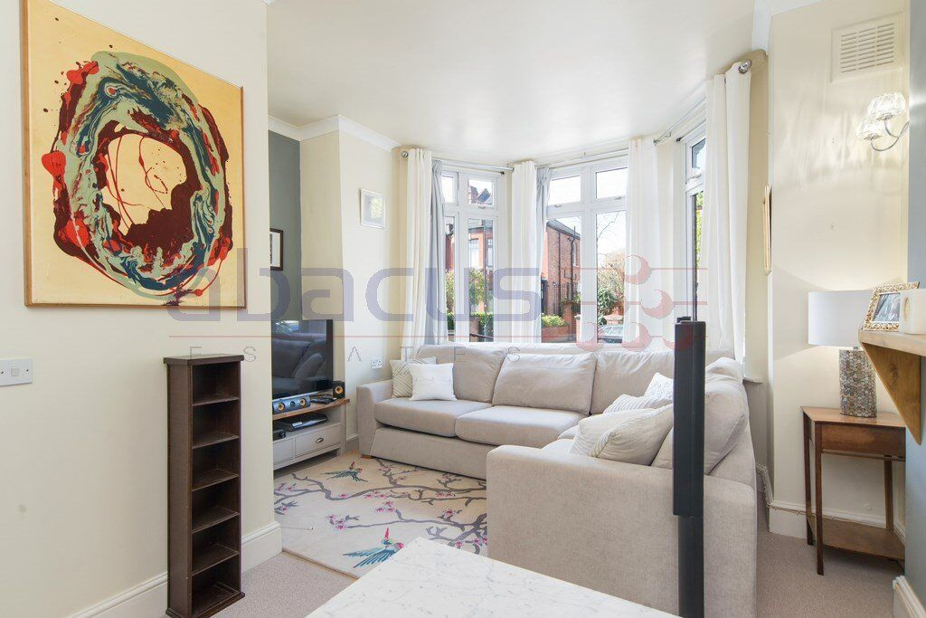 ABSOLUTELY GORGEOUS 1 BED GARDEN FLAT-MOMENTS FROM TRANSPORT-ABSOLUTE MUST SEE-CALL RICKY07527535512