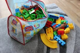 Mega Bloks First Builders – Deluxe Buildable Playground 150 pieces