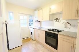 2 bedroom flat in Park Court, Park Road, Kingston Upon Thames, KT1