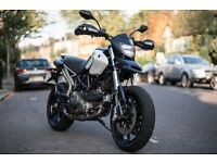 DUCATI HYPERMOTARD 796 / 803cc / black and white / 2012 /