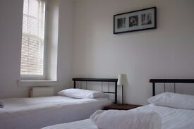 Twin Room available in SEPTEMBER in Grassmarket, Edinburgh (11/7)