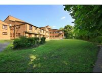 1 bedroom flat in Woodburn Close, Hendon, NW4