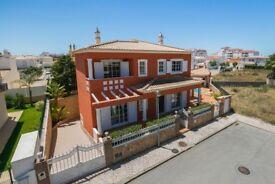 Splendid Villa New 4 bed 4 bath/ pool /£1500 reduced from £2000 27th July -3rd August Sunny Algarve