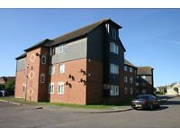 AN IMMACULATE 2 BEDROOM TOP FLOOR APARTMENT WITH SEAVIEWS WORKING TENANTS GOOD REFERENCES & NO PETS