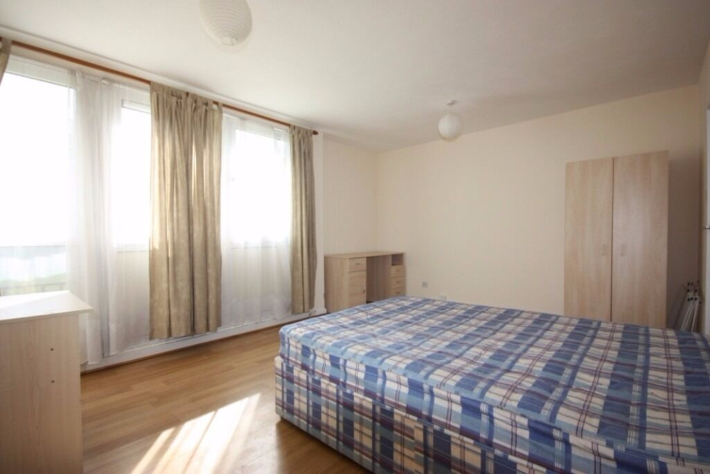 3/4 BED ROOM IDEAL FOR STUDENTS CLOSE TO CAMDEN AVAILABLE LATE AUGUST