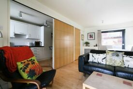 FESTIVAL FLAT(ref 007): Stylish 1 bedroom City Centre Flat With Parking near St Andrews Sq!