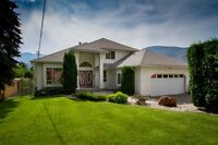 8327 Highway 3B, Trail BC