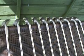 Ping Golf clubs 2,3,4,5,6,7,8,9 PW SW all in very good condition with good grips. Suit animprover