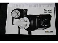 BOWENS GM 400WATT 2 HEAD STUDIO LIGHTING KIT ALL ACCESSORIES EXCELLENT CONDITION