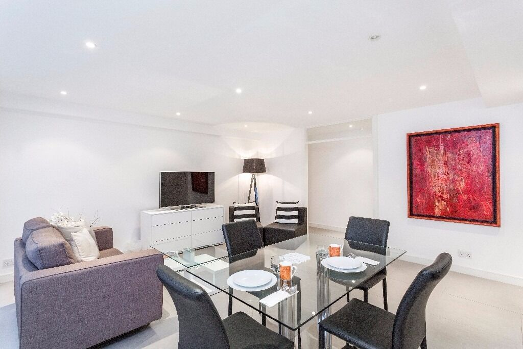 Two bedroom lateral apartment on Sloane Street SW1X