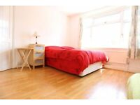 DREAM ROOM BACK ON MARKET !! TODAY * ZONE 2