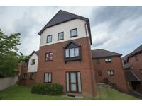 1 Bed Flat High Wycombe 5 min from train station ideal for first time buyer or investment buy to let