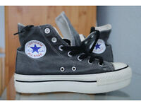 size 5 platform converse sneakers