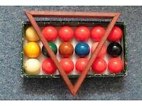 Aramith 1'5/8 Snookerball set plus various Snooker Cue's