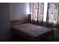 LARGE DOUBLE ROOM AVAILABLE IN HOUNSLOW