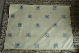 Fabric roller blind
