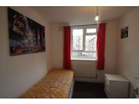 SINGLE ROOM TO RENT IN CALEDONIAN ROAD MOMENTS AWAY FROM THE TUBE STATION. 5P