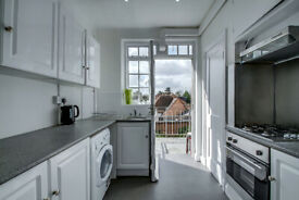 THREE DOUBLE BEDROOM FLAT TO RENT IN HENDON